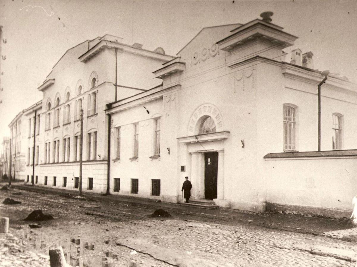 Здание Художественно-промышленной школой имени Н.Ф. Фан-де-Флита